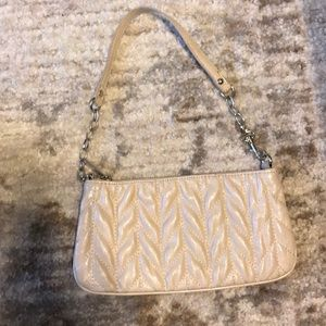 Express herringbone cream wristlet